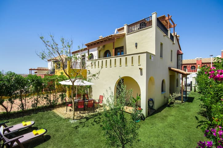 Luxury 3 bed Townhouse, free WIFI - Ayamonte - Casa