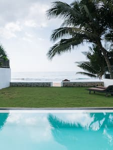 Beach - Swimming Pool  in Garden - Room with A/C - Galle - Villa