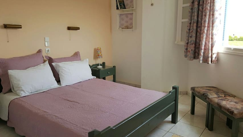 Appartment close to the beach - Μάλια - Wohnung