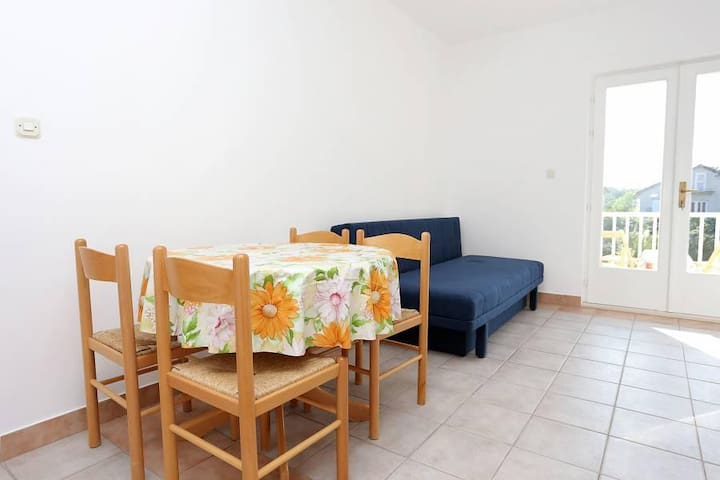 One bedroom apartment with balcony Trpanj, Pelješac (A-10136-a) - Trpanj - Departamento
