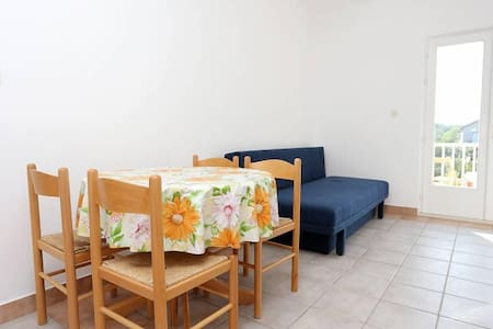 One bedroom apartment with balcony Trpanj, Pelješac (A-10136-a) - Trpanj - Daire