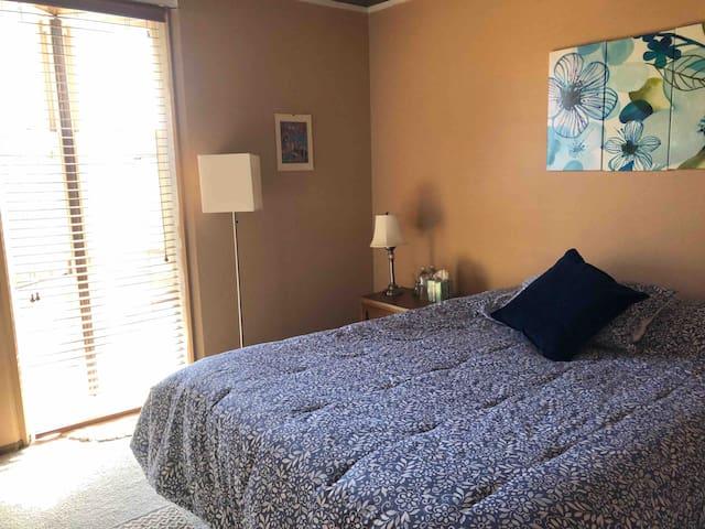 Cozy room w/queen bed in Diamond Heights