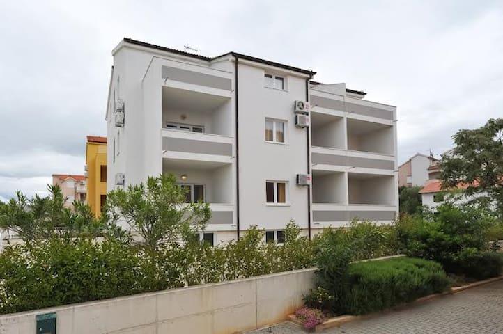 Modern apartment close to the sea 5 - Srima - Appartamento