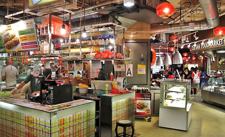 Where to eat - Lot 10 Food court