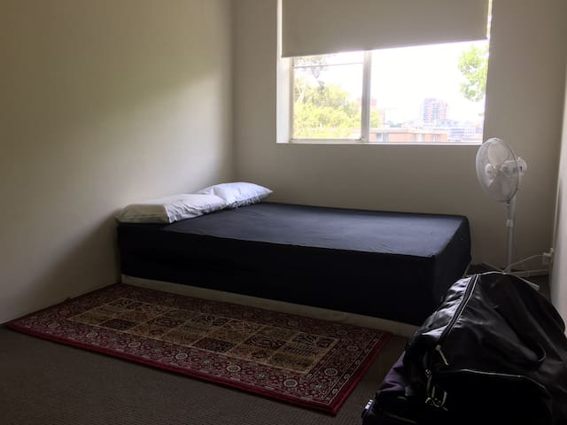 PERFECT PRIVATE ROOM IN GLEBE POINT ROAD - Glebe - Apartment
