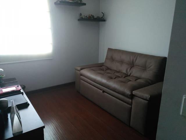 Cómoda habitación en el norte de Bogotá.