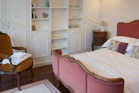 L'Escapade - Chambres d'hotes - Magnac-Laval - Bed & Breakfast