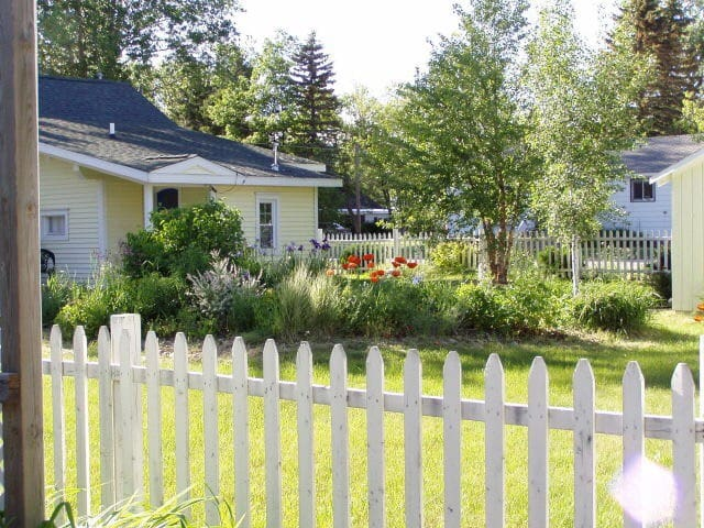 Charming Convenient Cottage - Harbor Springs