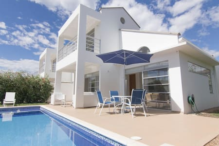 VACATIONAL HOME IN RICAURTE WITH PRIVATE POOL - Ricaurte