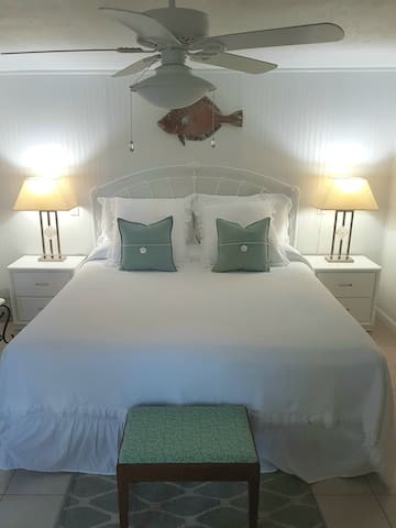 ** SWEET DREAMS~Private Entry Suite in KDH Central