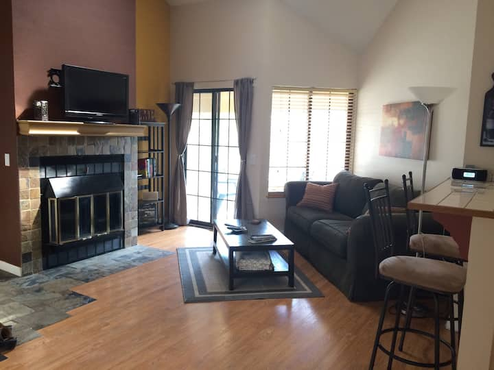Beautiful, peaceful and private  2br condo