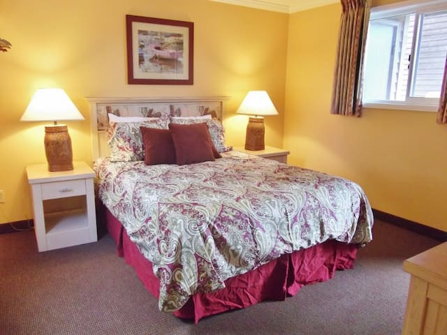 Sandcastle Inn: Sand Dollar Suite #601 - Cannon Beach - Apartment