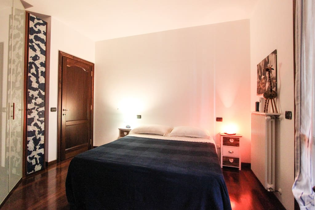 B b le ragazze chambres d 39 h tes louer sorbara for Finestra termale