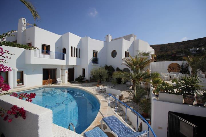 Villa avec piscine  Agua Amarga  Andalousie