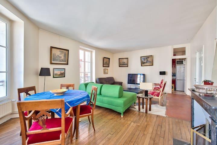 Classic 2-room apartment near Montparnasse