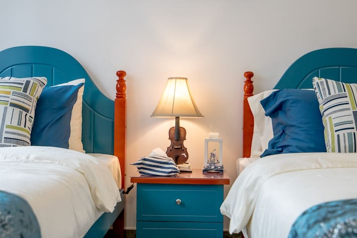 地中海风格次房,每一样饰品、床品都是我精心挑选的,希望你们也喜欢!