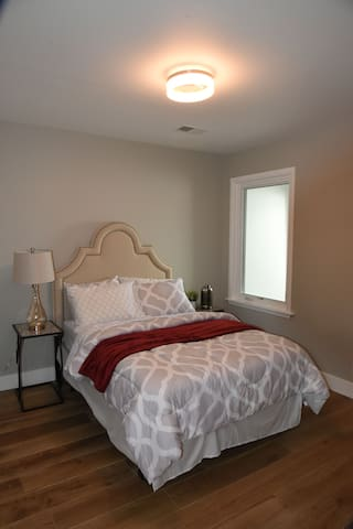 #5 Luxury renovated private room with shared bath