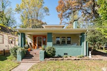 1930's bungalo in historic Hyman Heights