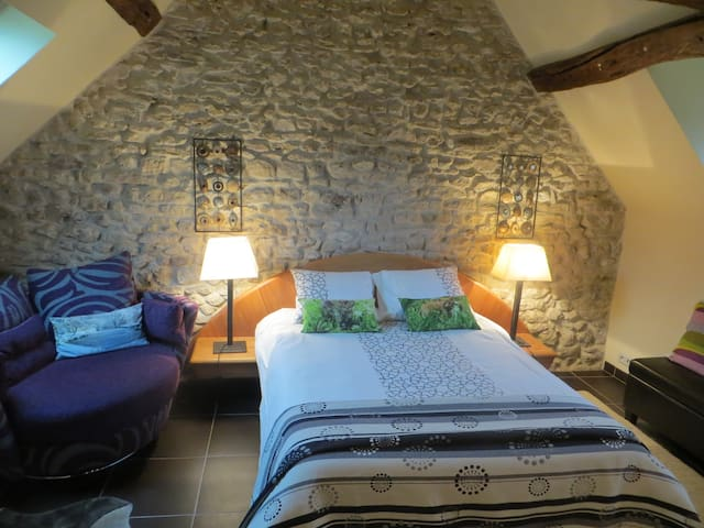2 br 16c Watermill (6pers)-10mins to Anet Castle.
