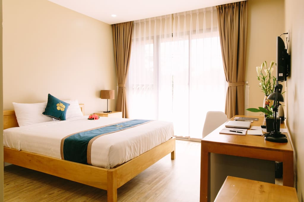 Deluxe Double with Bacony - Minh Nhung Hotel
