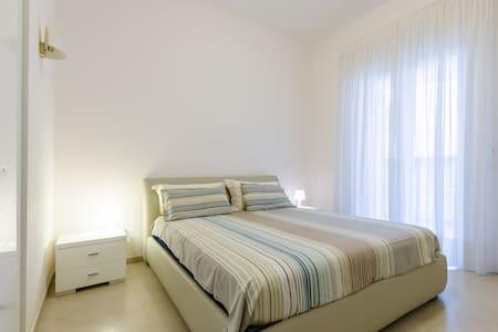 ... Elegant apartment in Via Del Mare ... - Rometta