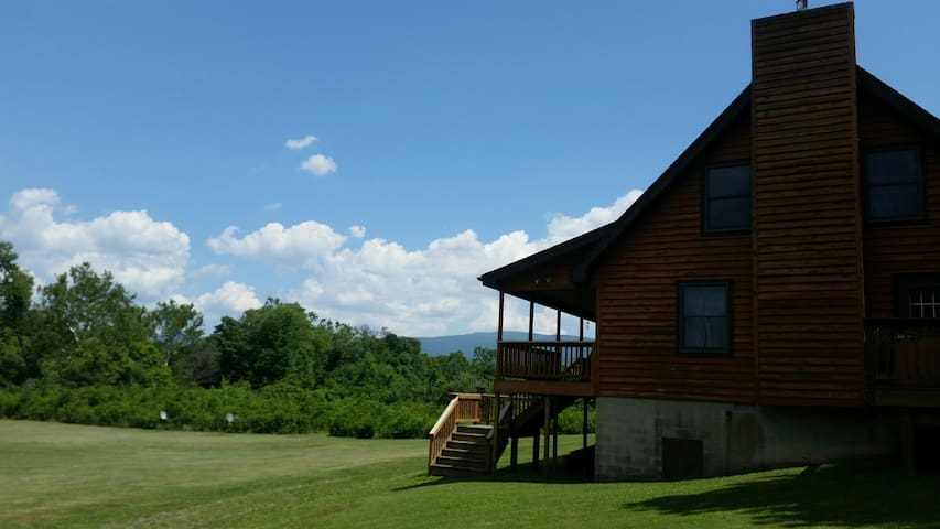 Island Ford Riverfront Cabin Famous Luray VA area! - Rileyville - Zomerhuis/Cottage