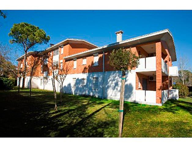 Apt for 3+2 pers - dog welcome in Bibione R66580