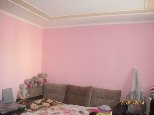 сдам комнату в центре города - Tomsk - Lägenhet