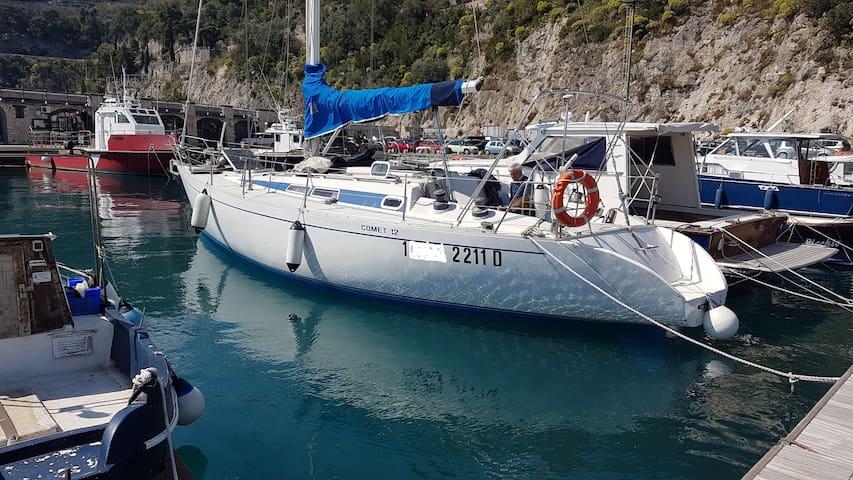 """B & Boat Cetara Travel """" Comet 12 """""""