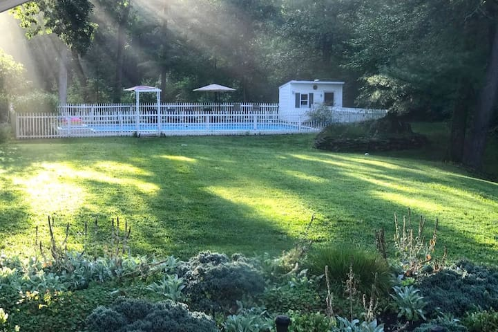 Hudson Valley 5 Bedroom home on 3 acres with Pool