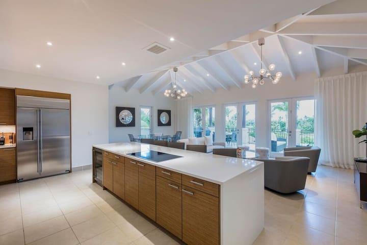 Villa Clara   Luxurious 4 bedroom penthouse within Bahia Beach Resort