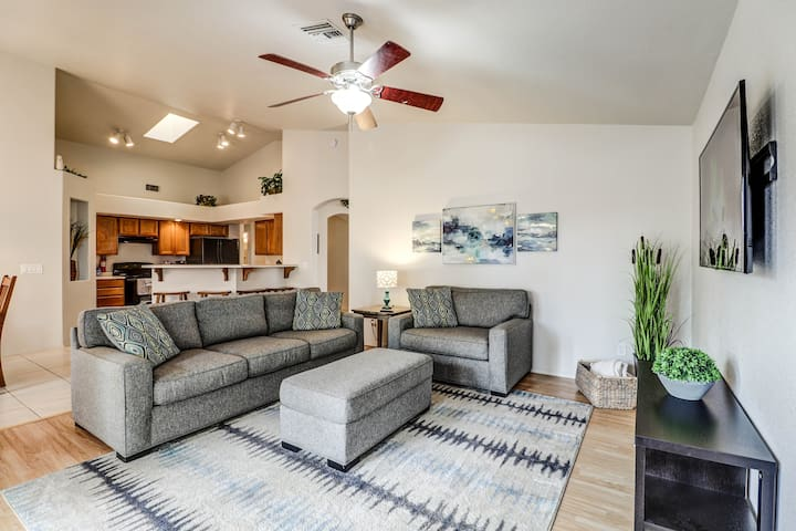 Lovely Gilbert Home Sleeps 14! NO CLEANING FEE!