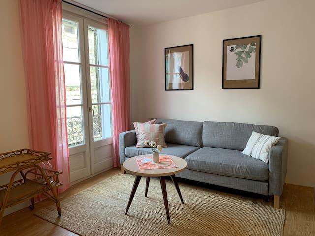 Centralt och bekväm lägenhet i medeltida hus.