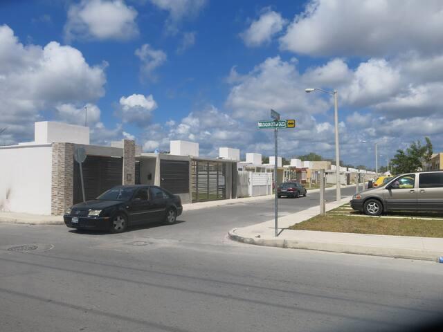 (PHONE NUMBER HIDDEN) village près de la mer - Morelos - Şehir evi