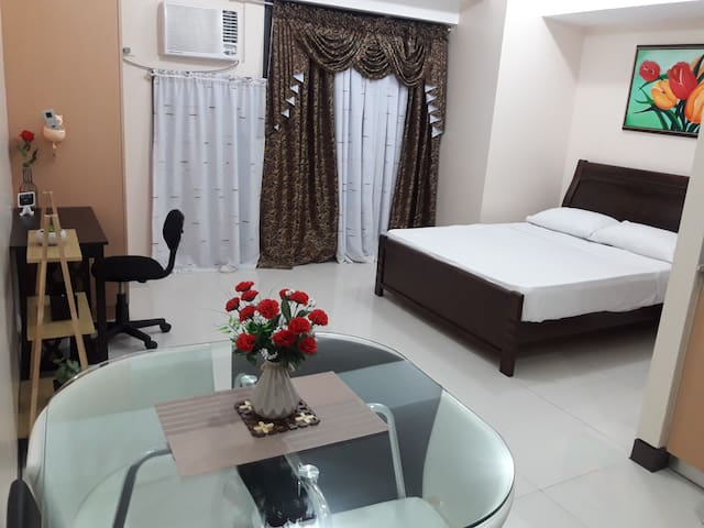 Cozy room with kitchen near Grand Canal Mall