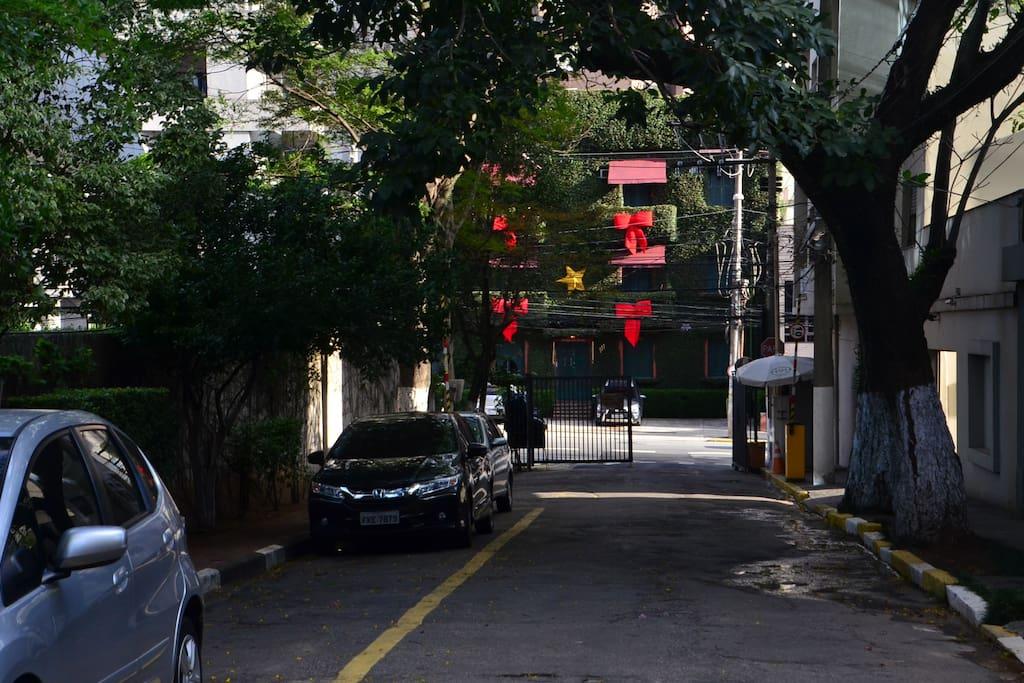 Rua sem saída com entrada controlada 24h