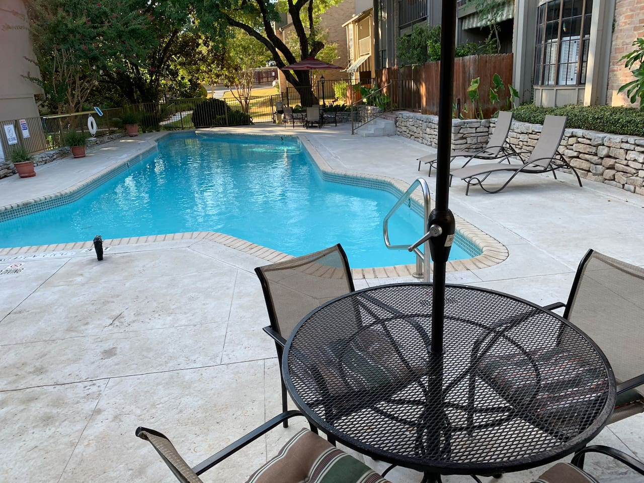 Sit poolside and read a book or catch some sun !