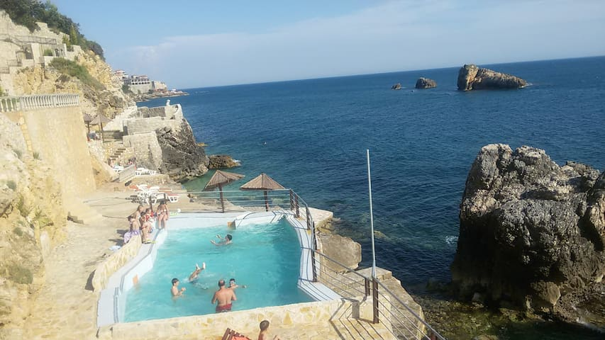 Peacefull place with private beach - Ulcinj - 아파트