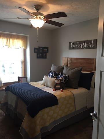 Spotless Main level bedroom - Gretna - Maison