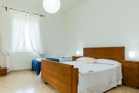 Appartamento per 6 persone a 20 minuti dal mare - Ceraso - Apartamento