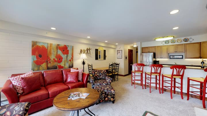 Great 1BR, Walk to Lift   Montaneros Vail   M211