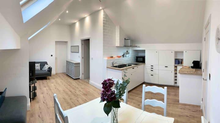 Wilmslow annex flat
