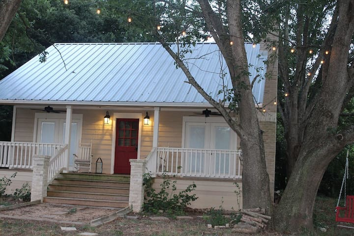 Brazos River Ranch Retreat Minutes from Aggieland