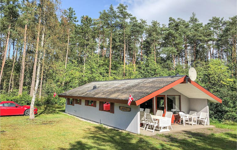 Holiday cottage with 3 bedrooms on 74m² in Kolind