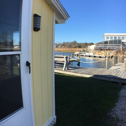 Newly renovated,Blue Chair Bungalow, East Matunuck