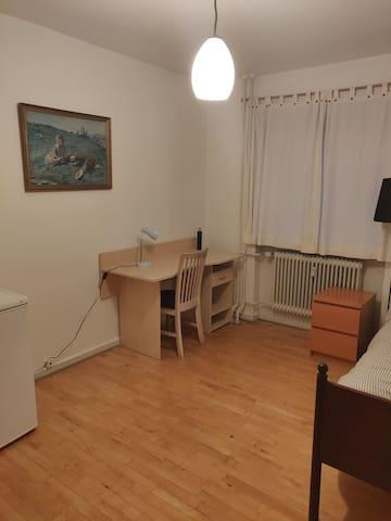 Rummelig værelse