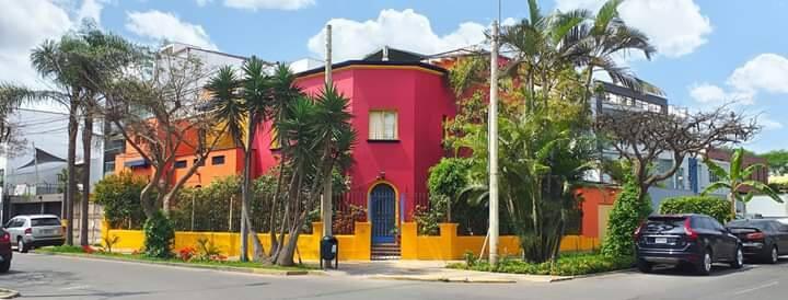 Habitación 2 en Miraflores La Casa Roja Perú.