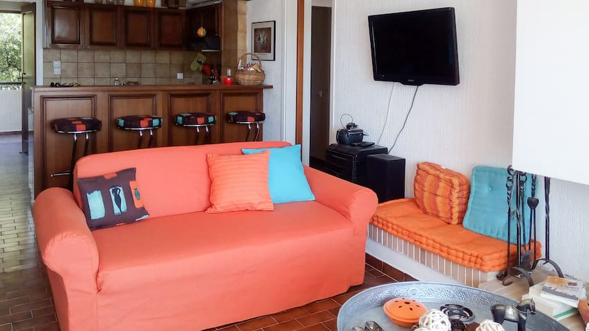Cozy & Bright apt near the Sea - Lavrion - Departamento