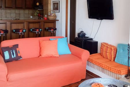 Cozy & Bright apt near the Sea - Lavrion - 公寓