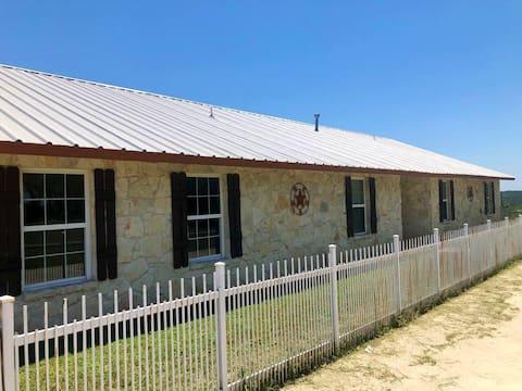 The Ranch house @ Sunset Ranch near Medina Lake